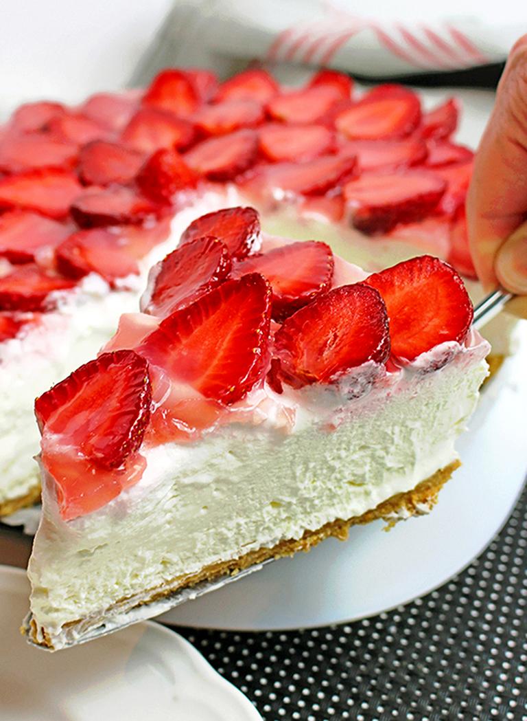 IMG_521999-1 No Bake Strawberry Cheesecake