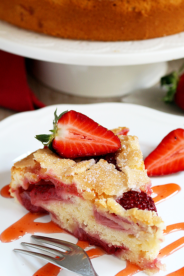 Fresh Strawberry Cream Cheese Cake