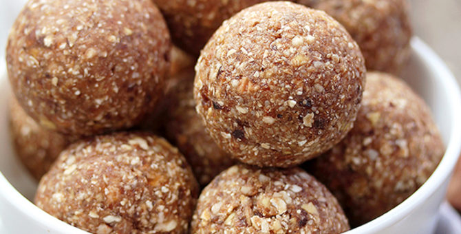 Easy Cinnamon Apple Energy Balls