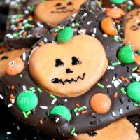 M&M's Pumpkin Pretzel Bark