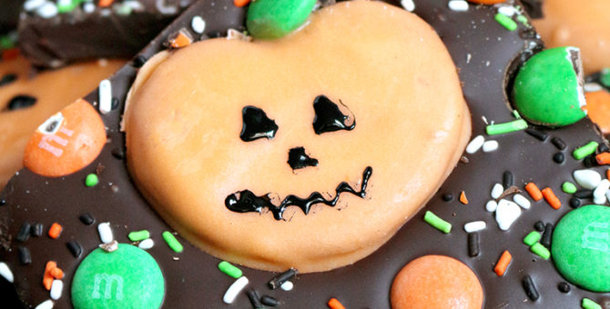 M&M's Pumpkin Pretzel Bark