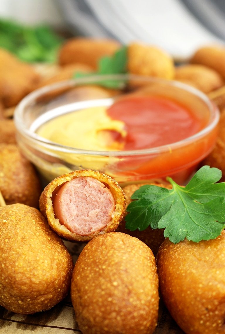 Here is our favorite recipe for Easy Corn Dog Bites. All football fans will really enjoy Super Bowl Sunday Party.