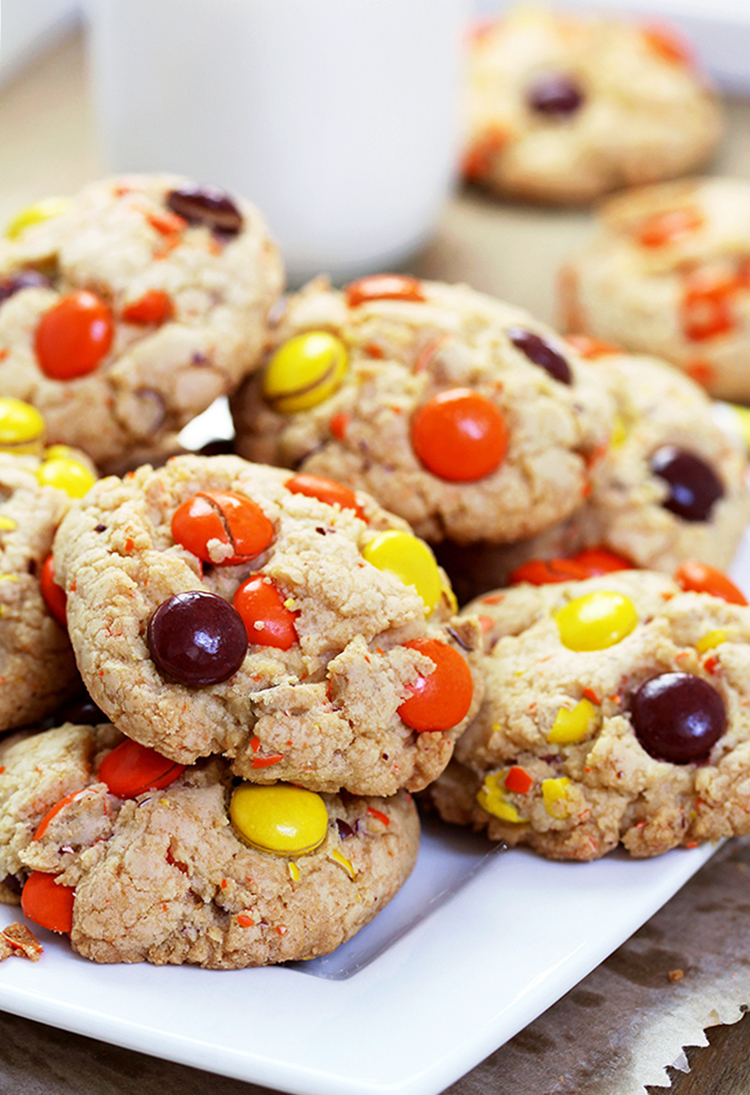 Reese's Pieces Cookies-crunchy outside, soft inside- perfect fall cookies in Halloween colors.
