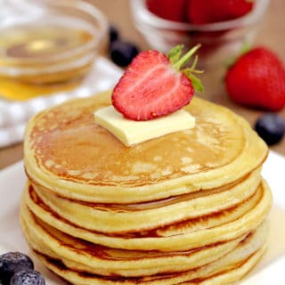 These Fluffy Cream Cheese Pancakes make a perfect choice for breakfast or weekend brunch. This is one of those recipes that you will save, for sure. A perfect breakfast for a perfect start of the day – sounds good… These pancakes with cream cheese are incredibly light, soft and fluffy.