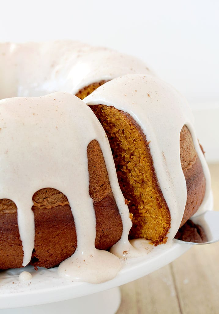 Pumpkin Bundt Cake with Cinnamon Cream Cheese Frosting