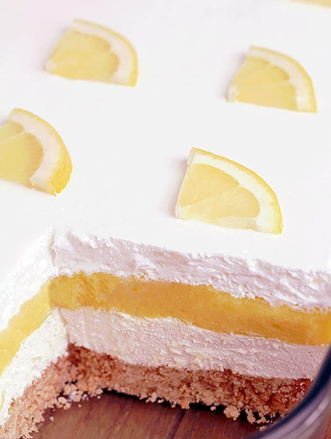 Easy Lemon Cheesecake Lasagna is a quick and simple layered dessert. What makes it so tasty is a Golden Oreo base, cheesecake layer, lemon pudding layer and whipped topping on top. It´s so yummy and looks great, too.